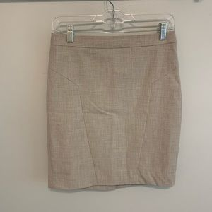 2/$25⭐️ The Limited Tan Pencil Skirt 4P